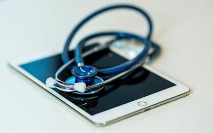 Ipad-Stetoscope-1500x1000-817x545